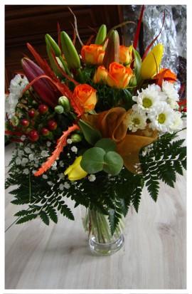 K15 - Kytica teplých farieb drobnokvetých ruží