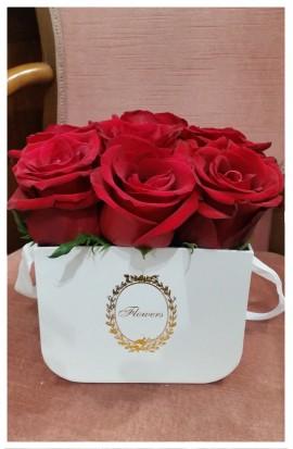 B4 - Klasika červených ruží je nesmrteľná